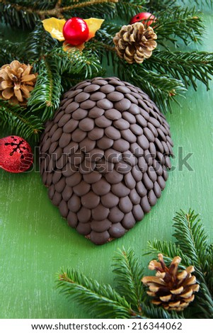 Chocolate fir cone - the idea of �¢??�¢??a Christmas cake