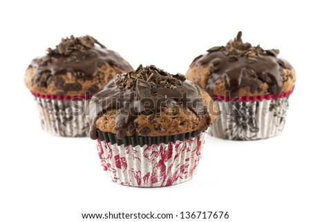 chocolate muffins with cream