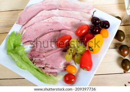 choice of cold cuts with tomatoes, peppers and salad