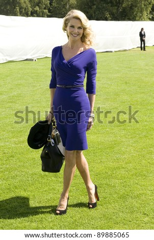 Christie Brinkley arriving for  The Cartier International Polo at Windsor Great Park, Berkshire. 24/07/2011  Picture by: Simon Burchell / Featureflash