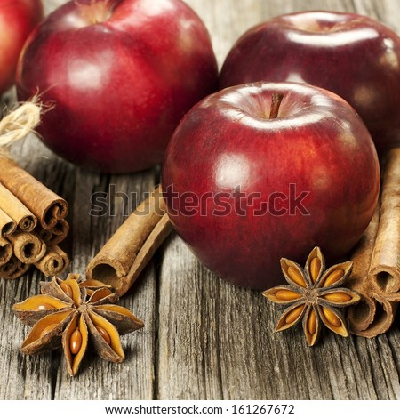 Christmas apples and spices