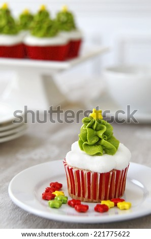 Christmas decorated cupcakes