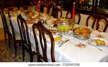 Christmas dinner. Table set for Christmas dinner at a Brazilian family. & Christmas Dinner Table Set Christmas Dinner Stock Photo \u0026 Image ...