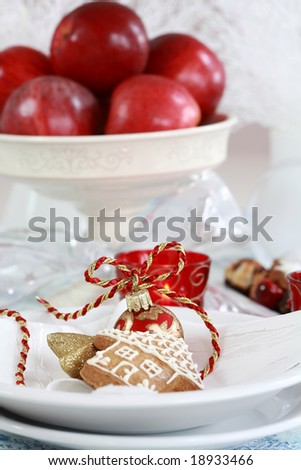 Christmas table setting in white and red tone