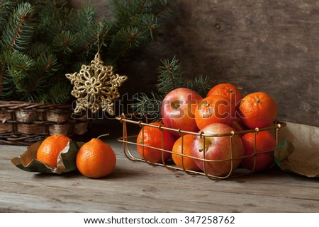 Christmas with apples and tangerines