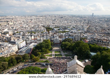 City Paris from top of Basilica of the Sacred Heart