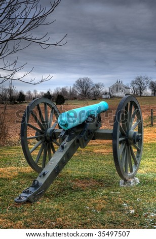 Civil War cannon points toward farm, Antietam Battlefield, Sharpsburg, Maryland