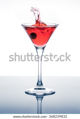classic contemporary cocktail with display on the mirror