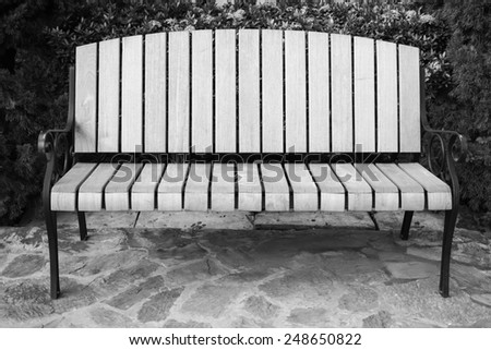 Classic garden bench in black and white