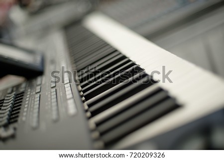 Close up of a electronic piano keyboard