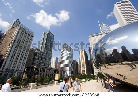 """Cloud Gate sculpture, known as """"The bean"""", Millennium Park, Chicago, Illinois - stock photo"""