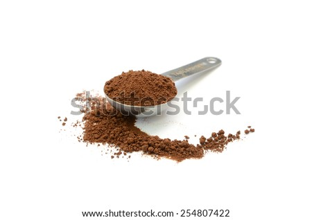 Coffee ground in stainless table spoon 3