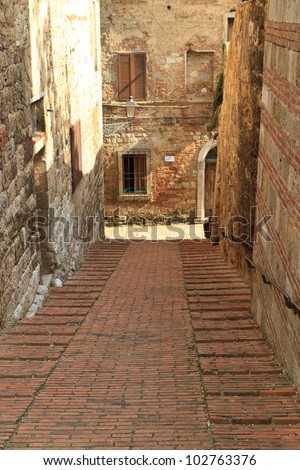 Colle di Val d'Elsa (Siena, Tuscany, Italy), Typical old street