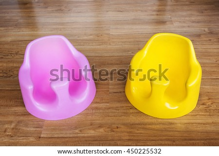 Color Toddler seats for 3 months old baby or above to practice of sit.