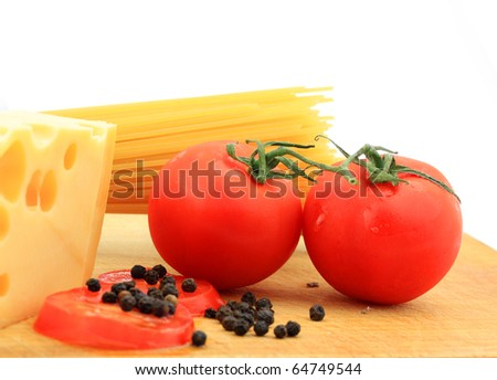 Composition of pasta, tomato and cheese
