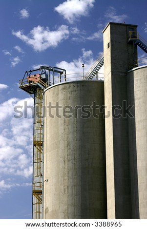 Concrete silo at concrete plant in Utah with blue sky background