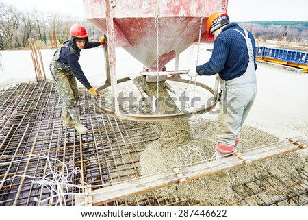 Concrete rebar stock photos images pictures shutterstock for Find a builder in your area