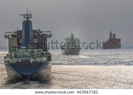 convoy in the Arctic ocean