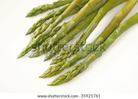 Cooked green asparagus