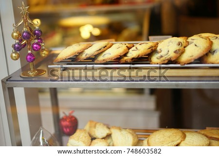 https://thumb9.shutterstock.com/display_pic_with_logo/167494286/748603582/stock-photo-cookies-in-a-shop-748603582.jpg
