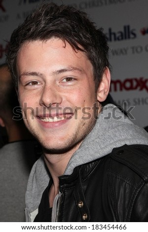 "Cory Monteith at in-store appearance for GLEE Cast Memebers Launch Marshalls and TJ Maxx Carol-Oke"" Contest, Bryant Park, New York, 2009"