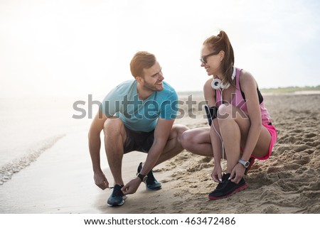 Couple getting ready for the jogging