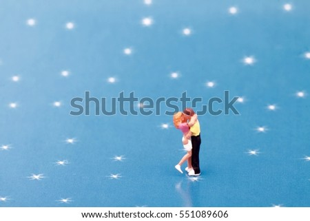 couple of lovers miniature figurines