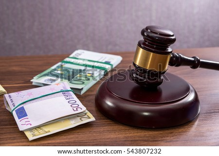 Court gavel over Euro notes