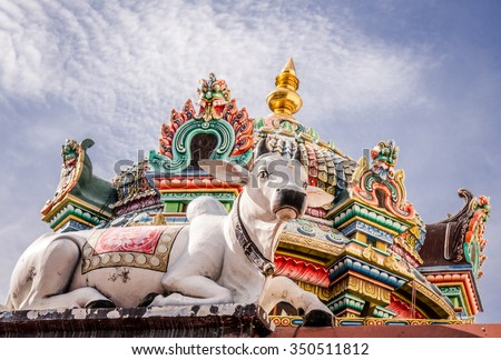 Cow and Hindu sculptures at Sri Mariamman Temple, Singapore