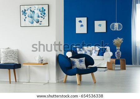 Cozy Blue White Living Room Flowery Stock Photo 654536338 ...