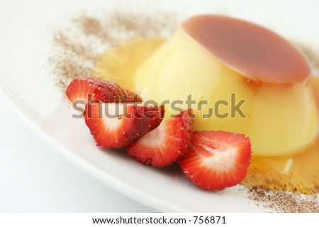 Cream caramel dessert with strawberries and Mocha.