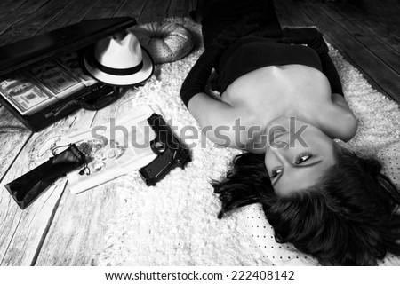 Crime Novel - a dangerous woman bandit - stock photo