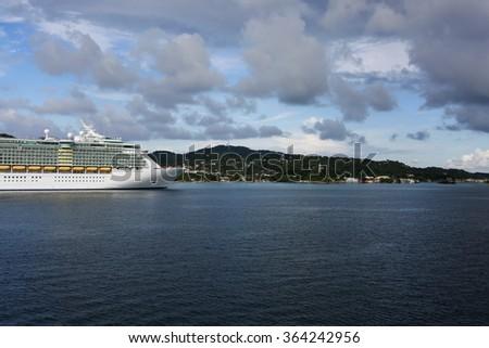 Cruise ship entering Honduras waters - stock photo