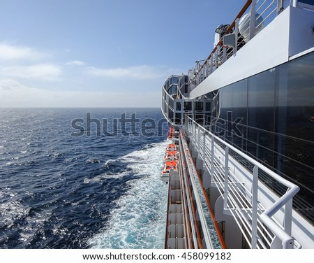 What is port side on a cruise ship - Difference between port side and starboard ...