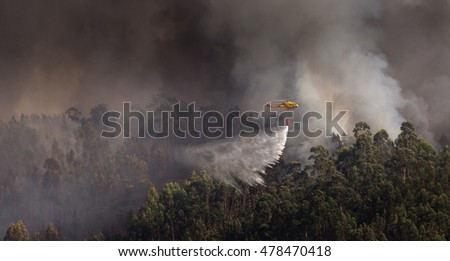 CS-HMI Civil Protection Firefighter Portuguese Helicopter Dropping Water