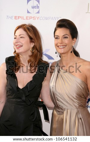 Dana Delany and Teri Hatcher  at the 8th Annual Comedy for A Cure, a Benefit to raise Funds and Awareness for the Tuberous Sclerosis Alliance. Boulevard3, Hollywood, CA. 04-05-09 - stock photo