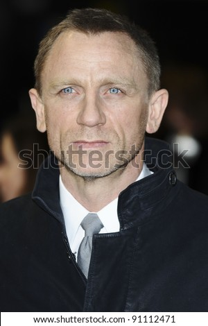 "Daniel Craig arriving for the premiere of ""The Girl with The Dragon Tattoo"" at the Odeon Leicester Square, London. 13/12/2011. Picture by: Steve Vas / Featureflash - stock photo"