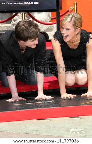 """Daniel Radcliffe and Emma Watson at the Hand, Foot and Wand Print Ceremony Honoring The Cast of """"Harry Potter"""". Grauman's Chinese Theater, Hollywood, CA. 07-09-07 - stock photo"""