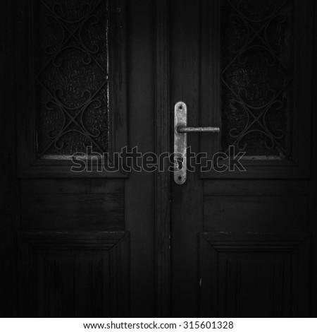 Dark Mystery door & Dark Mystery Door Stock Photo (Royalty Free) 315601328 - Shutterstock