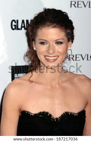 Debra Messing at Glamour Women of the Year, 10/29/2001