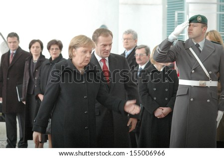DECEMBER 11, 2007 - BERLIN: German Chancellor Angela Merkel with the Polish Prime Minister Donald Tusk at a reception with military honors in the Chanclery in Berlin.