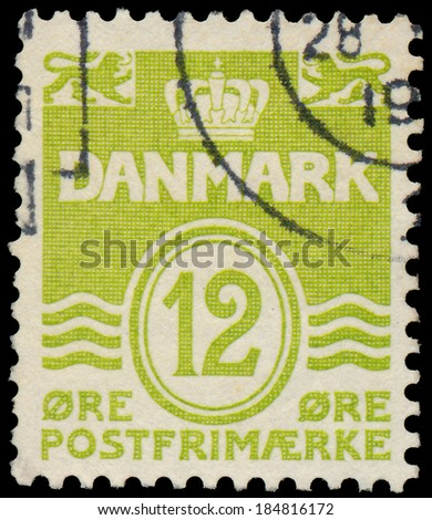 DENMARK - CIRCA 1952: A stamp printed in the Denmark, depicts Wavy Lines and Numeral of Value, circa 1952