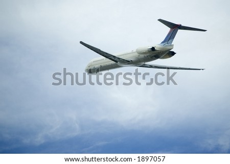 Departing commercial airliner