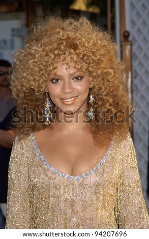 Destiny's Child singer & actress BEYONCE KNOWLES at the Hollywood premiere of her new movie Austin Powers in Goldmember. 22JUL2002.   Paul Smith / Featureflash - stock photo