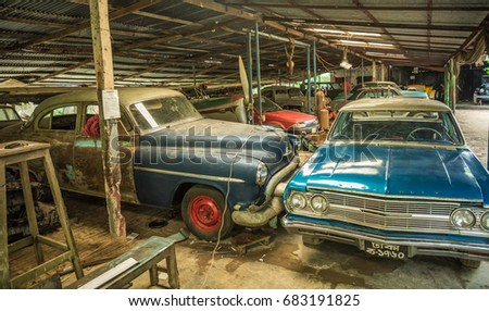 Dhaka Bangladesh July 22 2017 Oldtimer Stock Photo 683191825