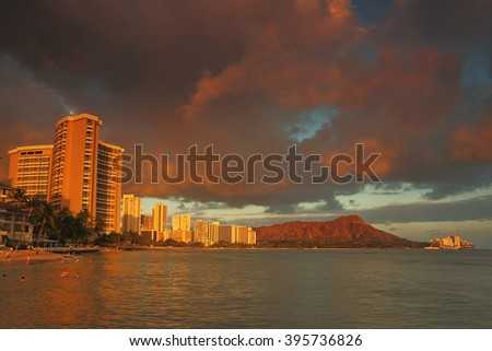 Diamond Head Cinder Cone Volcano seen from the famous Waikiki Beach on the island of Oahu, Hawaii.