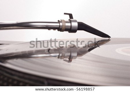 Direct drive turntable system, closeup of needle