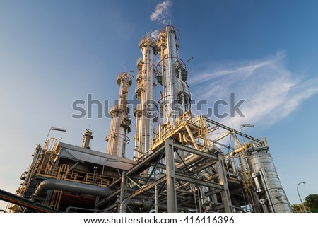 Distillation Columns and their process equipments : Oil and gas refinery plant - stock photo