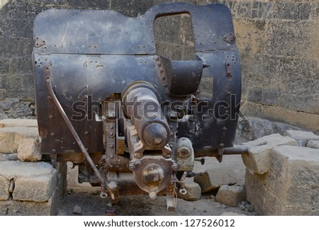 DIU, INDIA - JAN 14:Five hundred year old Portuguese Guns, made of steel, rusting away at the Diu Fort, an erstwhile Portuguese Colony in India on January 01, 2013 in Diu, India