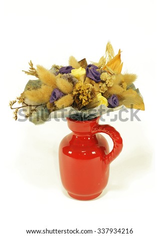 Dried flower bouquet in a vase
